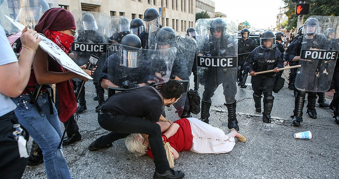 Tell the St. Louis Mayor: Protect protesters. Investigate cops.